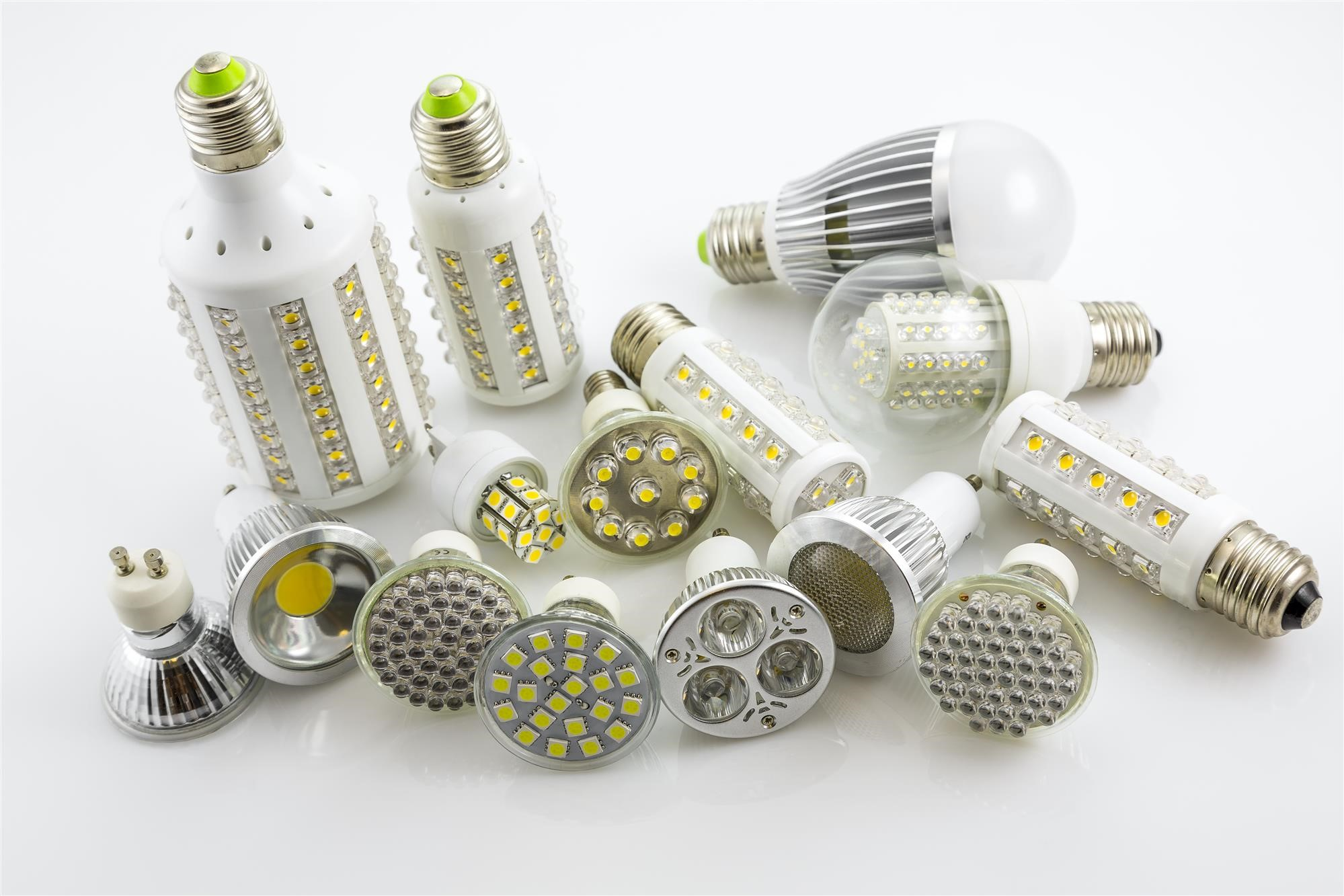 Different Kinds of Light Bulbs for Lighting Up Your Home