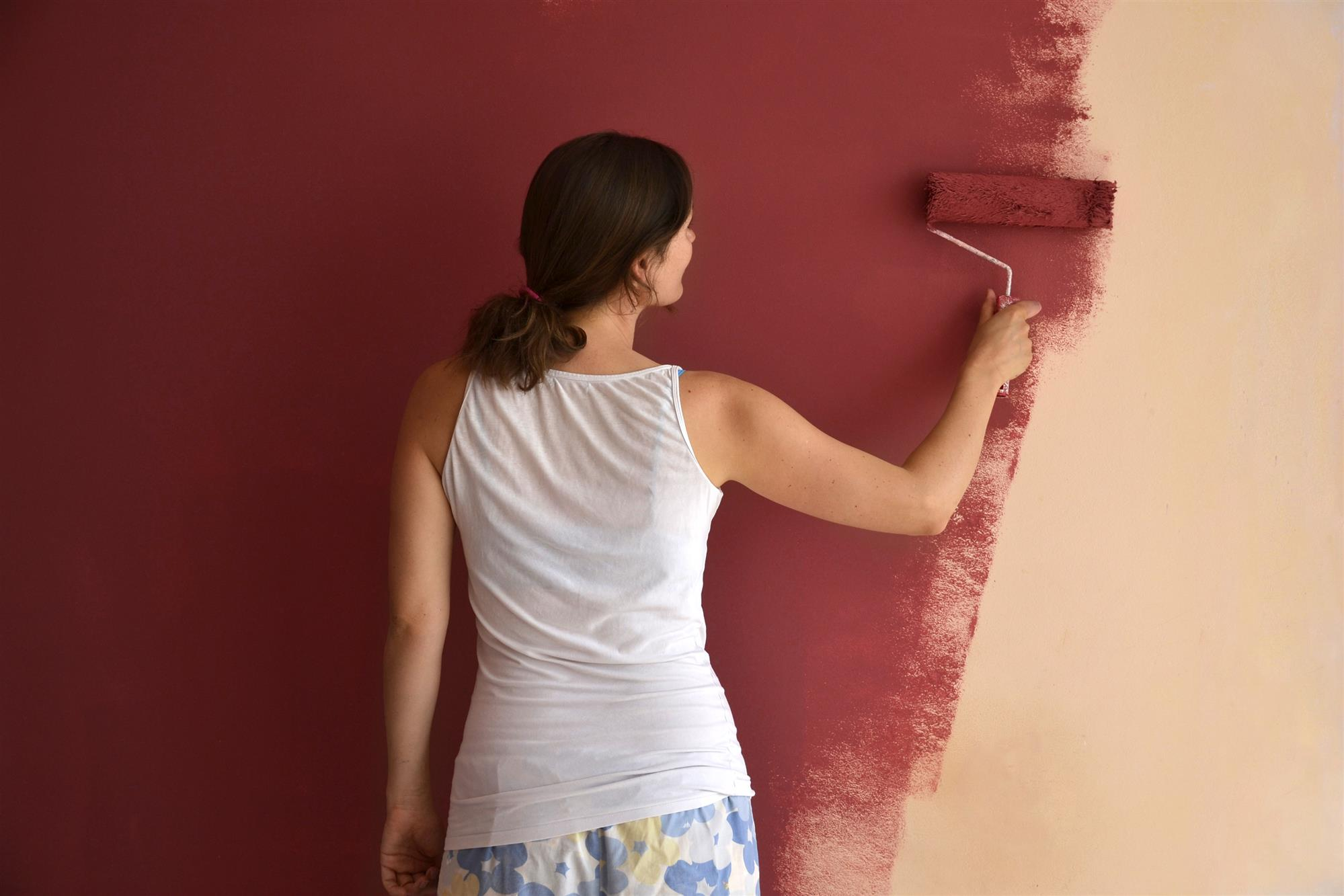 Freshen Up Home for Holiday Hosting: Tips for Picking the Right Paint